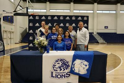 Ivie to play Division I basketball, signs with UNC-Asheville