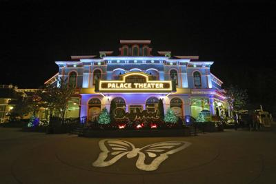 Dollywood's Smoky Mountain Christmas wraps families in the light of the season
