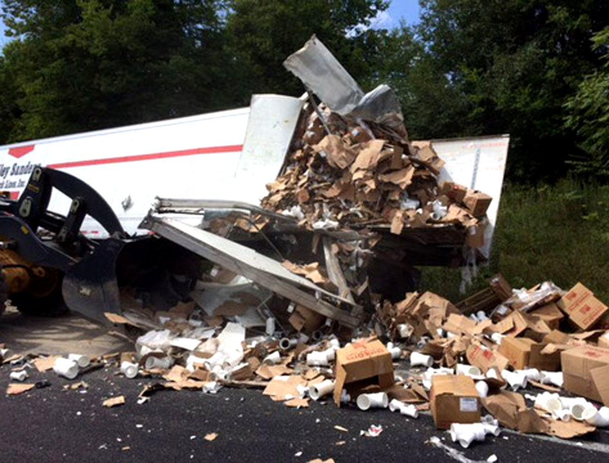 Wreck snarls Friday afternoon traffic on I-40 | Local News