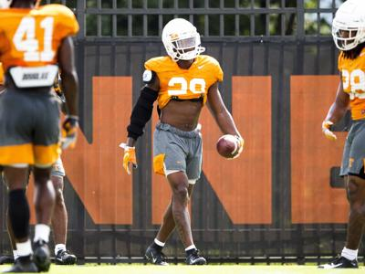 Tennessee CB Thompson permitted to return to practice