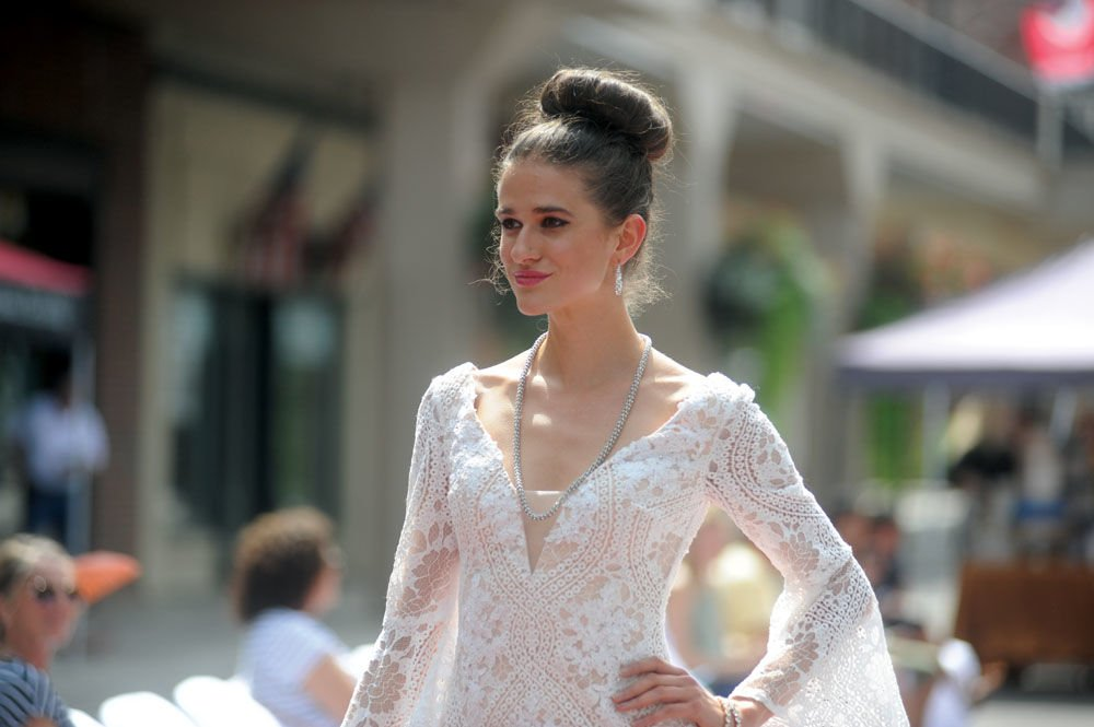Downtown hosts bridal fashion show