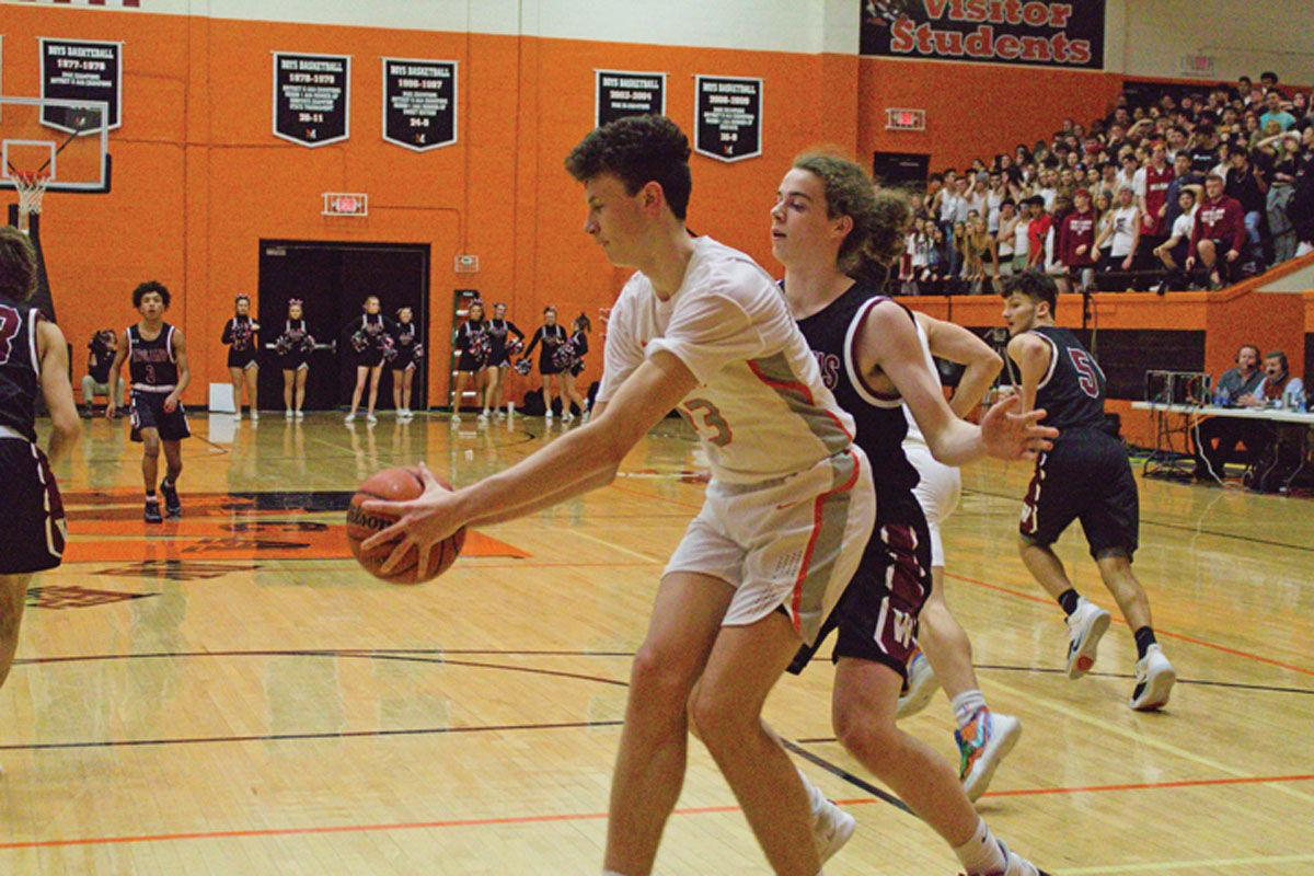West's Ryan Shafer drains seven three's in 56-53 win over Morristown East