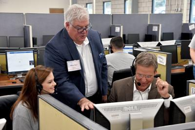 Lee helps celebrate opening of Sneedville call center