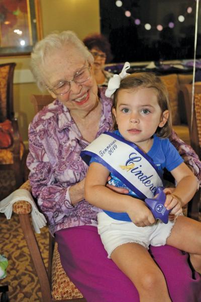 DeWitt Place hosts Alzheimer's awareness event