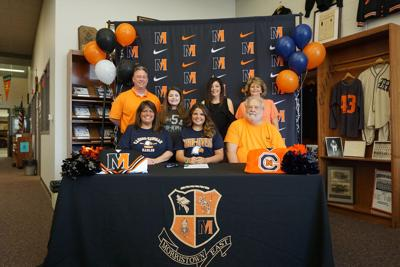 Hamer to continue cheer career, signs with C-N