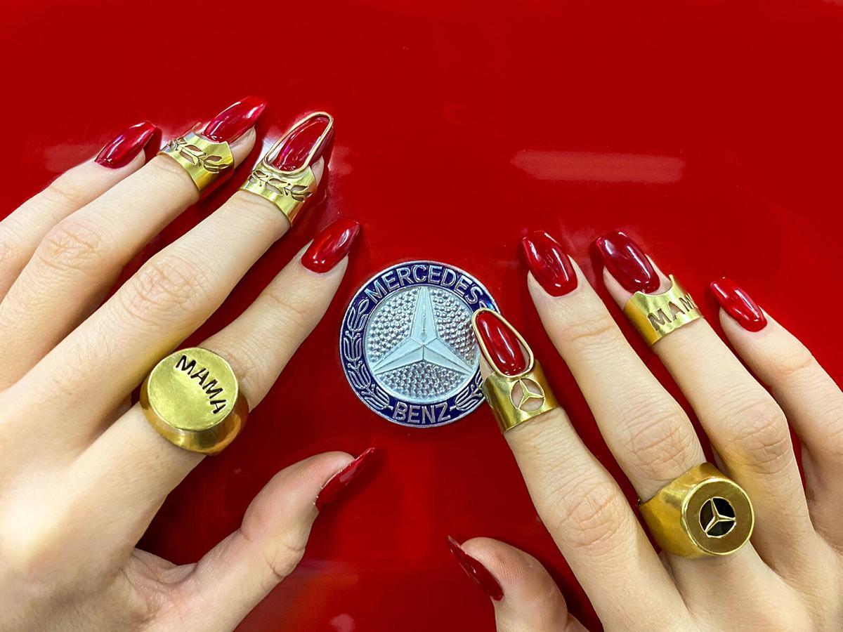 Merryn Alaka, Mama Benz Rings