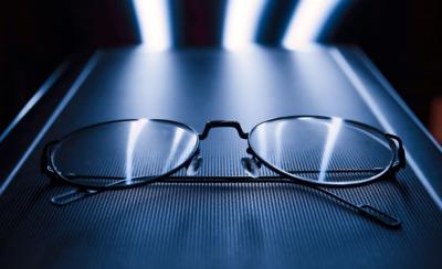 Blue light eyeglasses