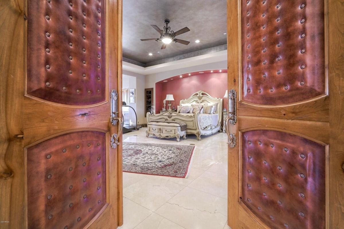 5837 Palo Cristi_bedroom.jpg