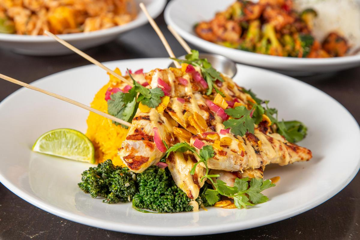 ARW_KonaGrill_Cilantro-Lime-Grilled-Chicken-Group-3.jpg