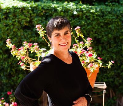 Scottsdale Poet Laureate Lois Roma-Deeley