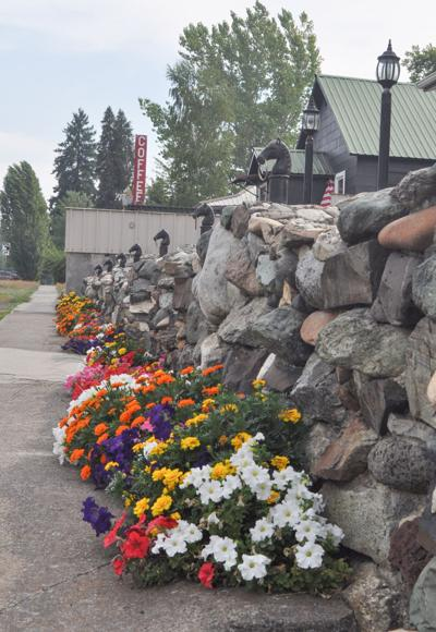 Vibrant Residential Display photo 1