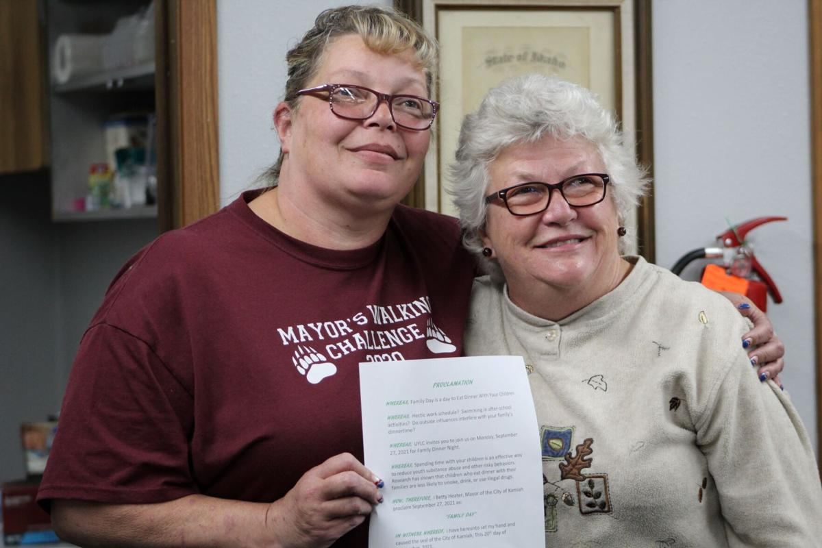 Mayor Betty Heater and Sandy Russo photo
