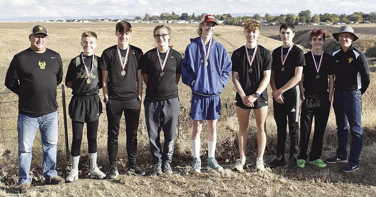 THS XCountry--district team