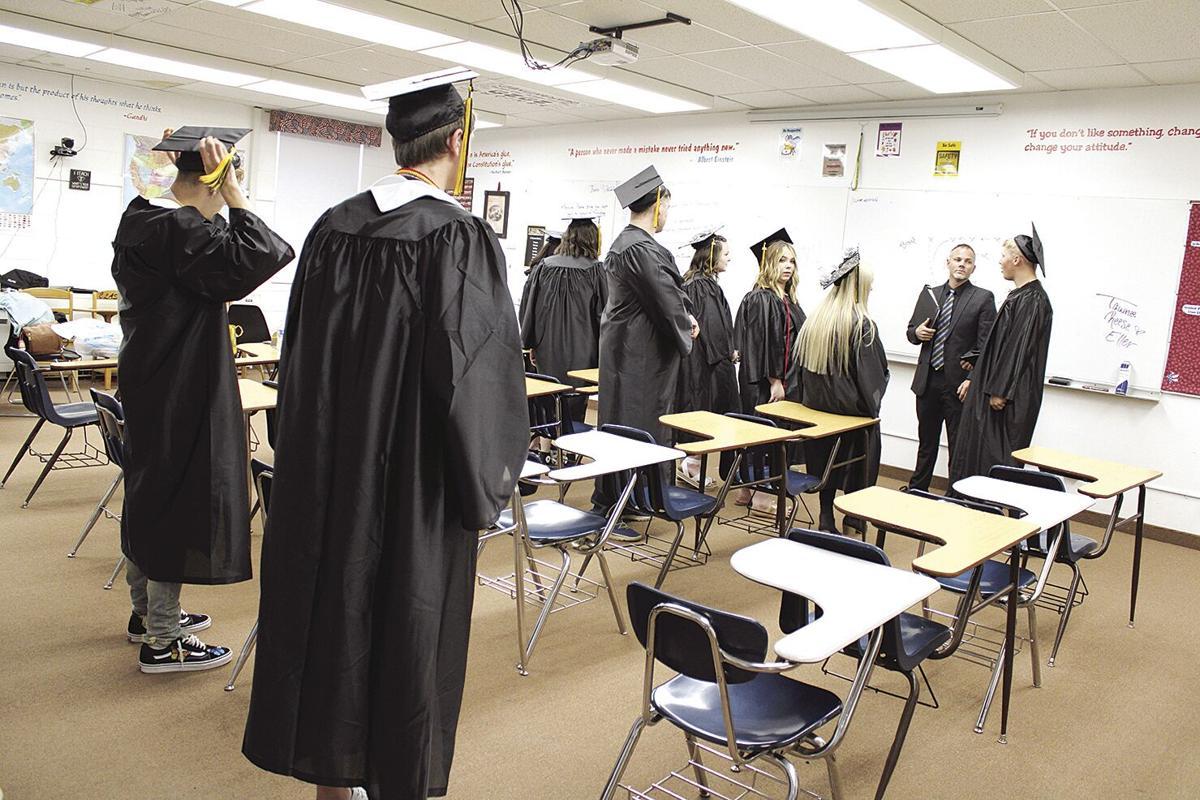 THS graduation 8774
