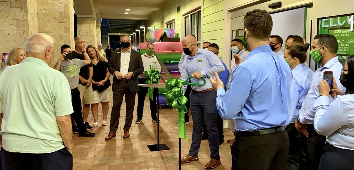 Island's New Publix 3. Officially opened with the ribbon cutting.jpeg