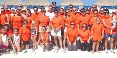 Restaurateurs Clean Up the Beach