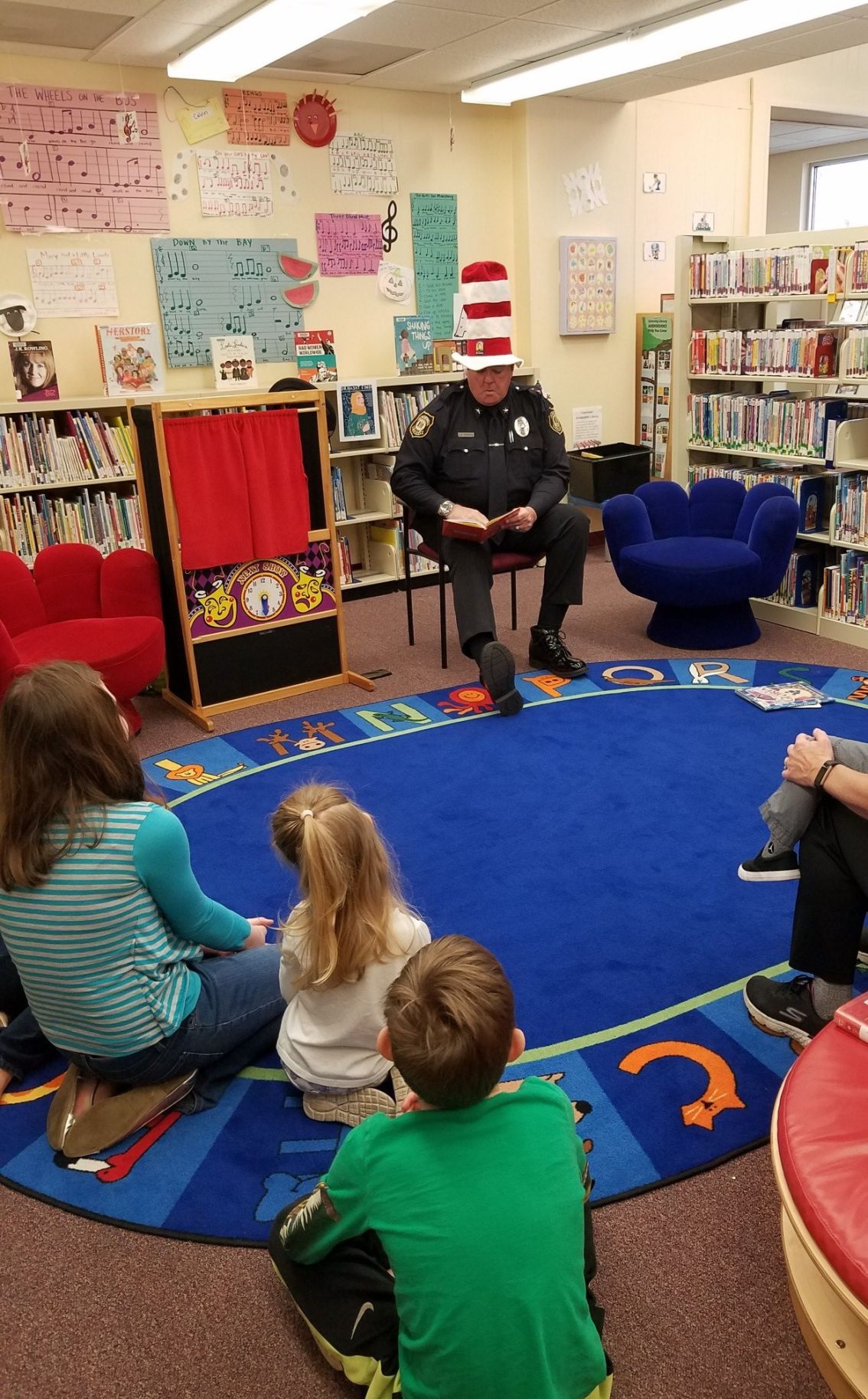 Police chief transforms into Cat in the Hat