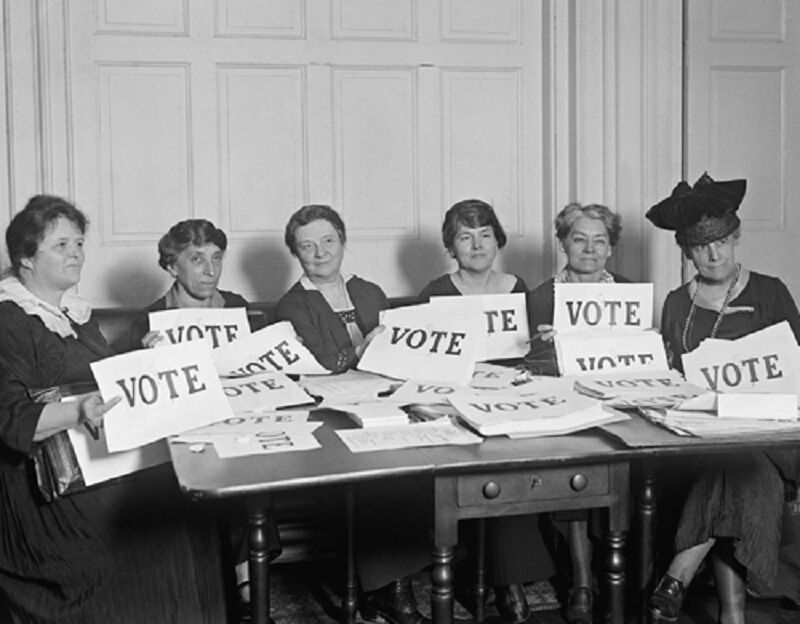 Women advocate for the right to vote
