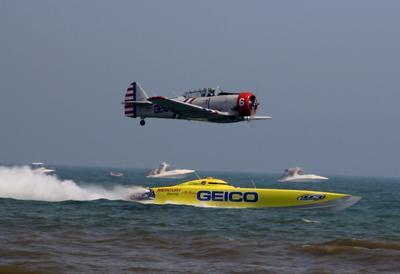Air-sea duel OC Air Show