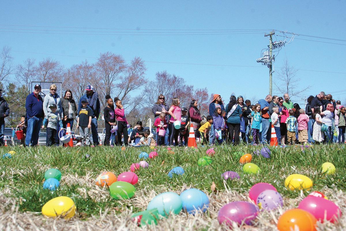 Frankford Easter Egg Hunt 3-kids line up-LW.jpg