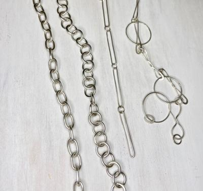 Chains, links and toggle clasps class