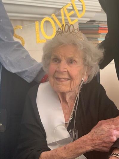 Evelyne (née Bastlin) Houdek