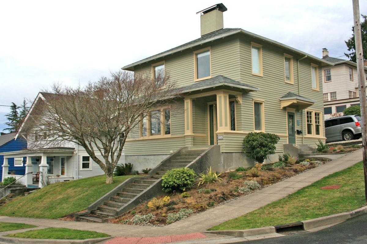 Hiram & Lillian Leinenweber Residence