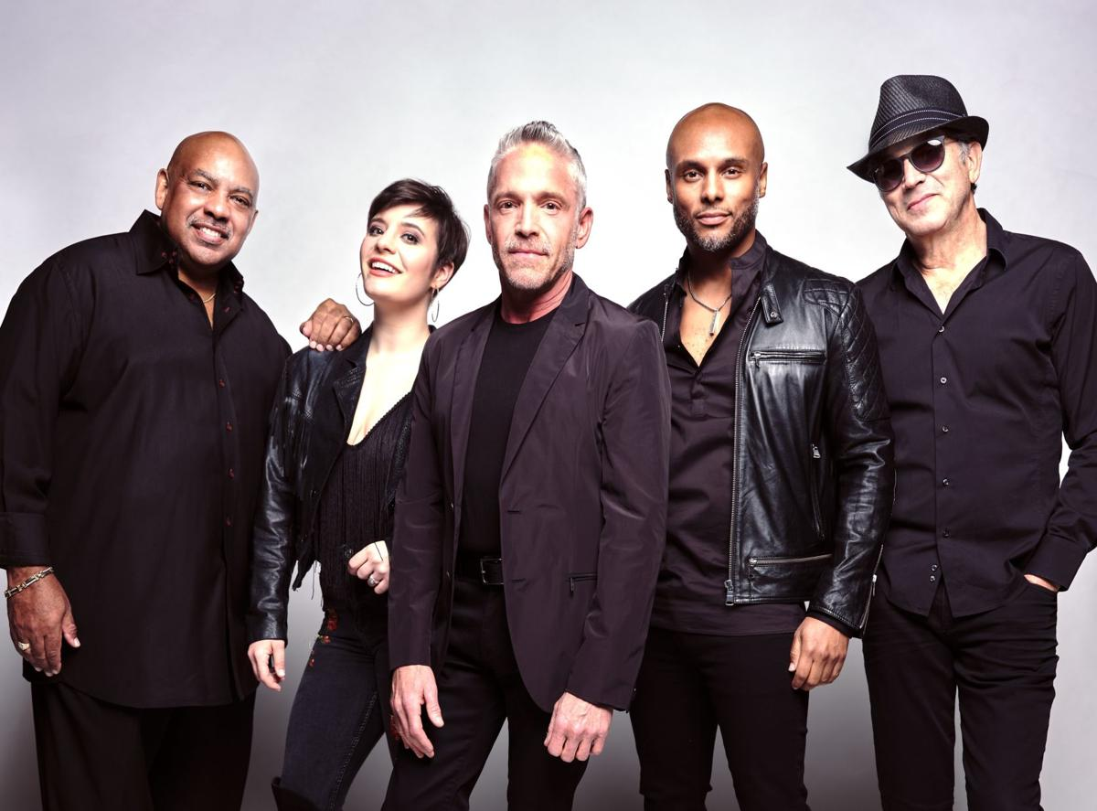 Dave-Koz-Summer-Horns-2019-Group-black-outfits-HiRes