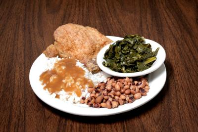 lizard's thicket collards plate new years