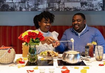 valentine's couple restaurant