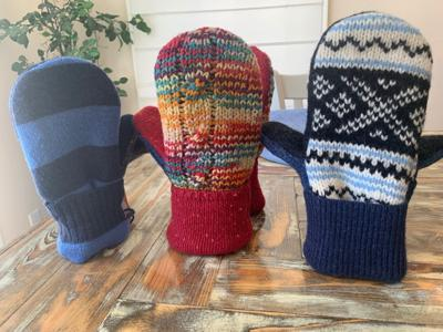 Jen Ellis' auction mittens