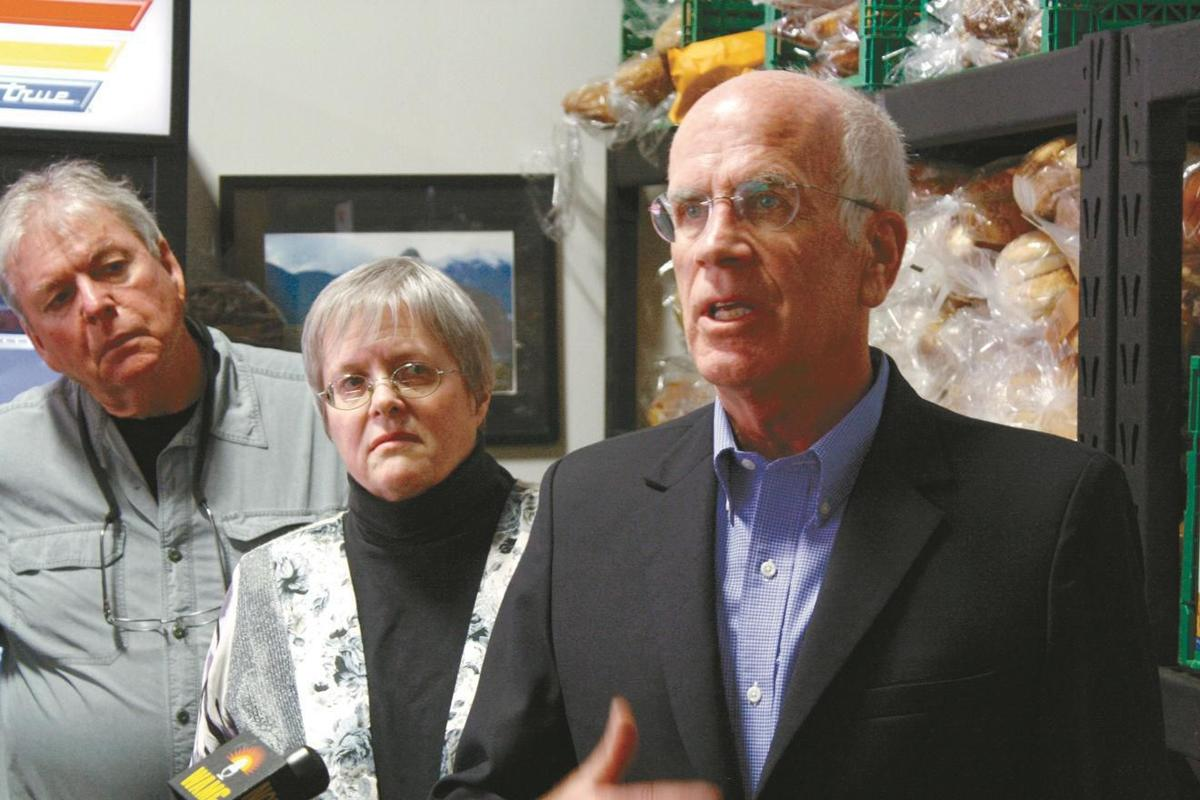 Rep. Peter Welch visits NorthWest Family Foods, 2017