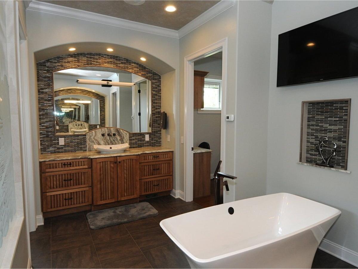 Jen Barry bathroom.jpg