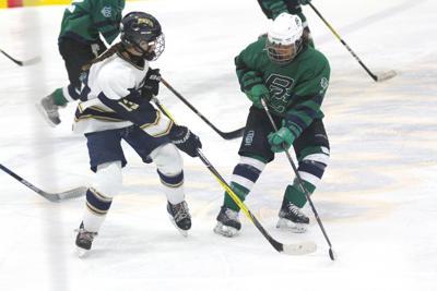 Burlington/Colchester girls' hockey takes down Essex