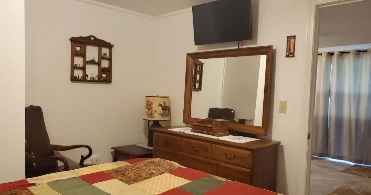 house bedroom2.JPG