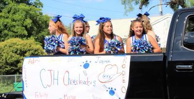 cjhs cheer Rodeo parade