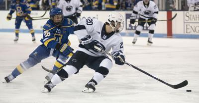 Men's hockey vs. Alaska-Fairbanks, Talvitie (20)