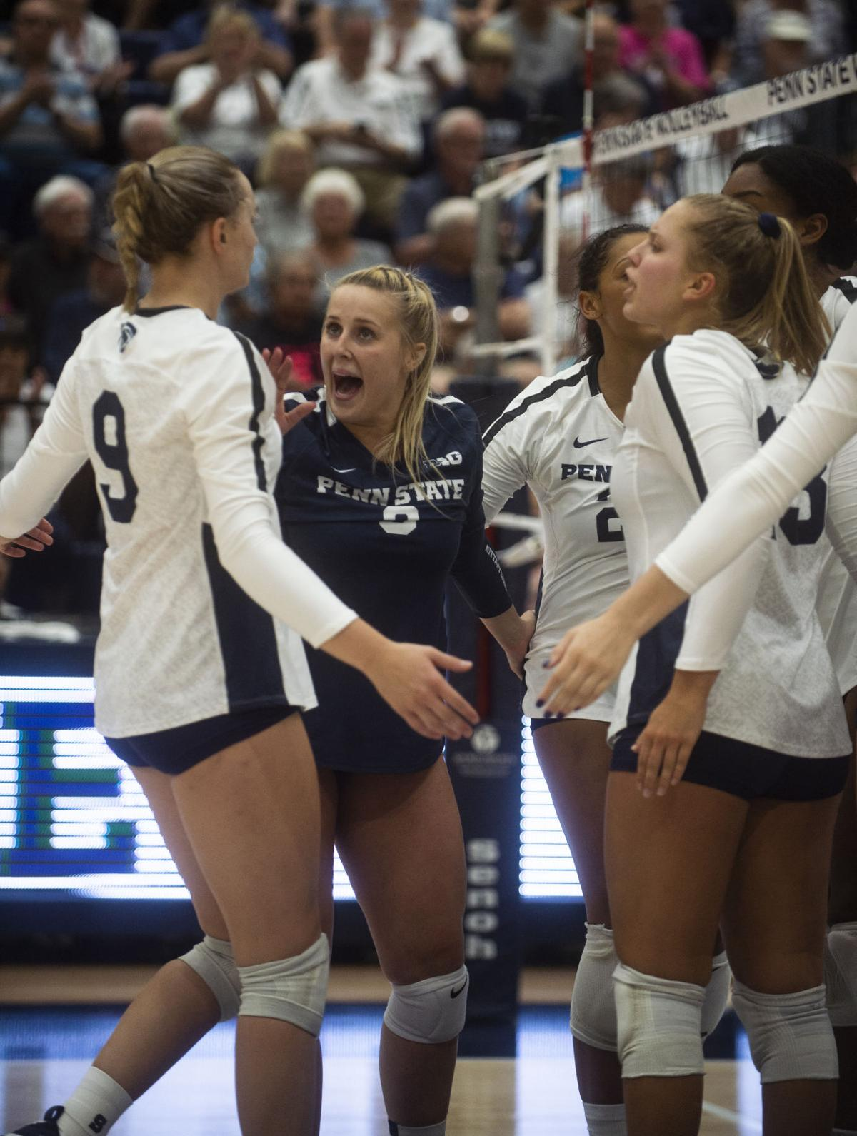 Women's Volleyball vs. Hofstra, Team Celebrates