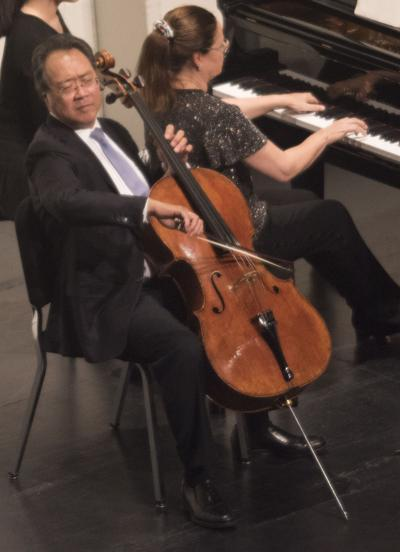 Cellist Yo-Yo Ma and pianist Kathryn Stott bring classical music to