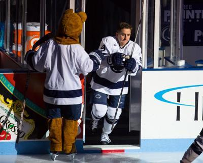 Men's Hockey, Minnesota, David Goodwin (9)