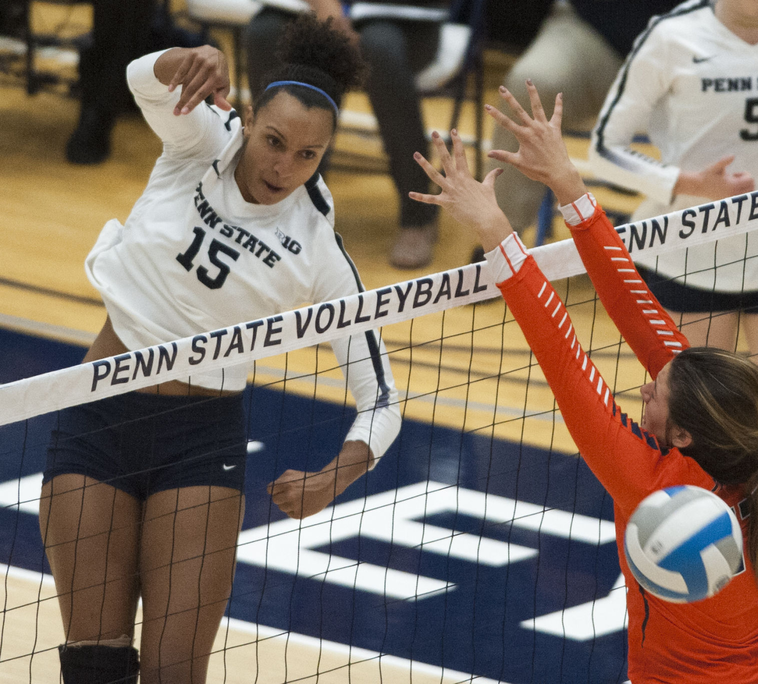 No. 3 Penn State Women's Volleyball Rallies Past Ohio State