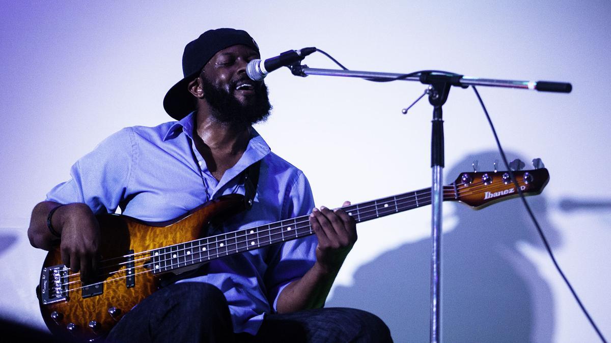 Soul Space, Gabriel Green performing