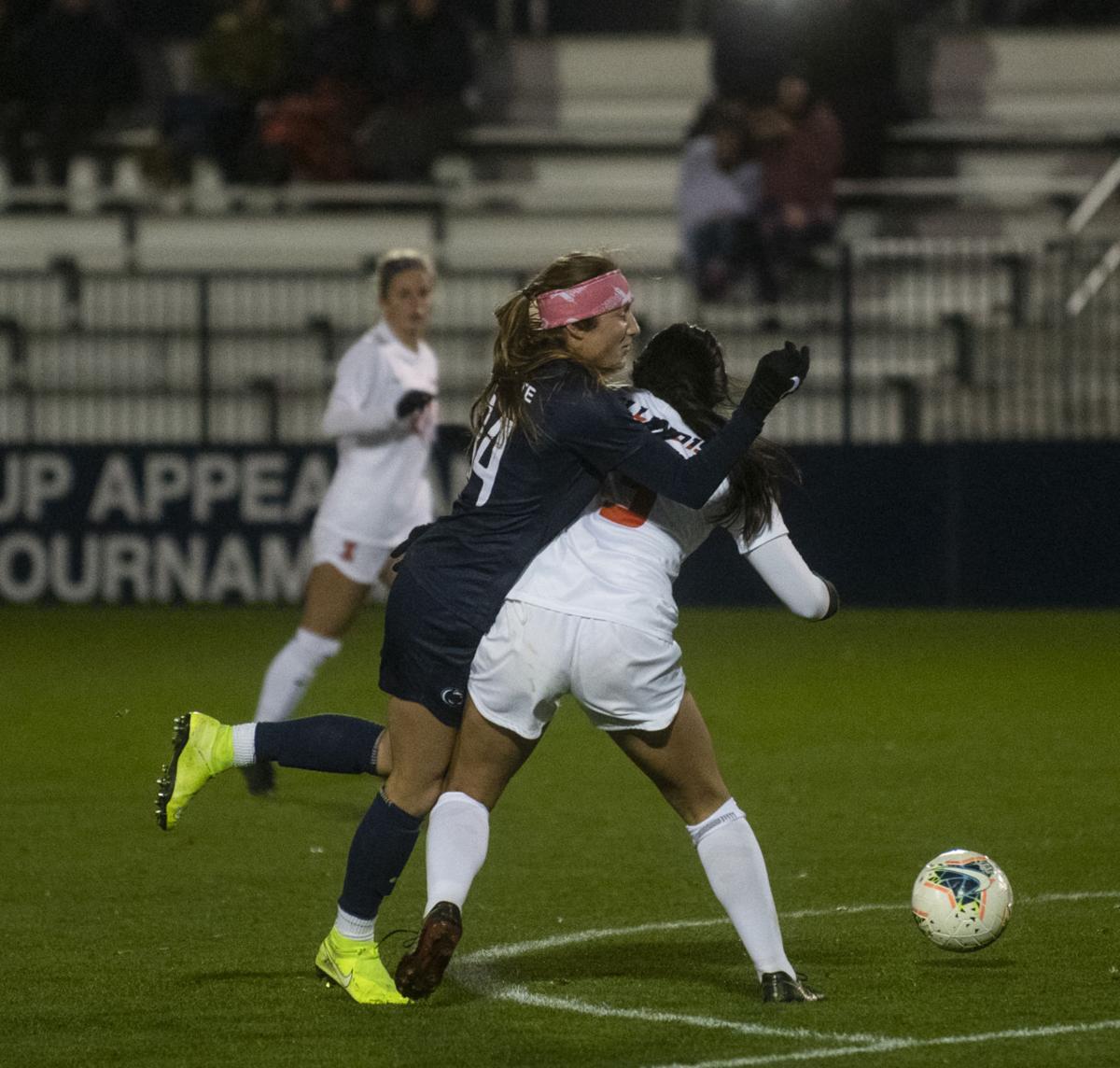 Women's Soccer vs. Illinois, Schlegel (34)