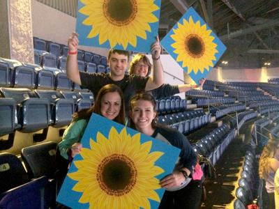 sunflower signs THON 2019
