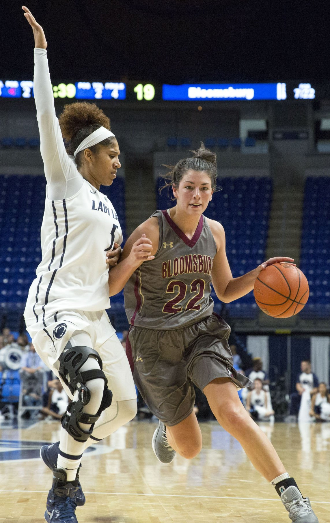 Women's basketball, Moore (5)