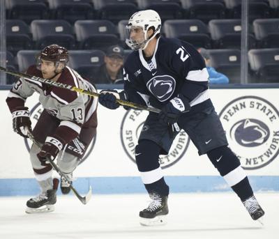 Men's hockey vs. Ottawa, Wall (21)