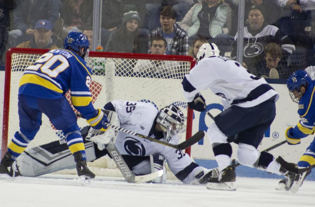 Men's Hockey vs. Alaska-Fairbanks, Autio (35) and Denaples (3)