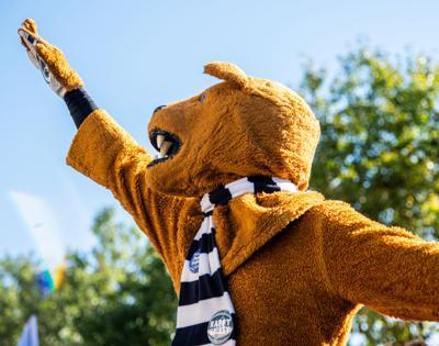 Penn State vs Purdue, team arrival Nittany Lion