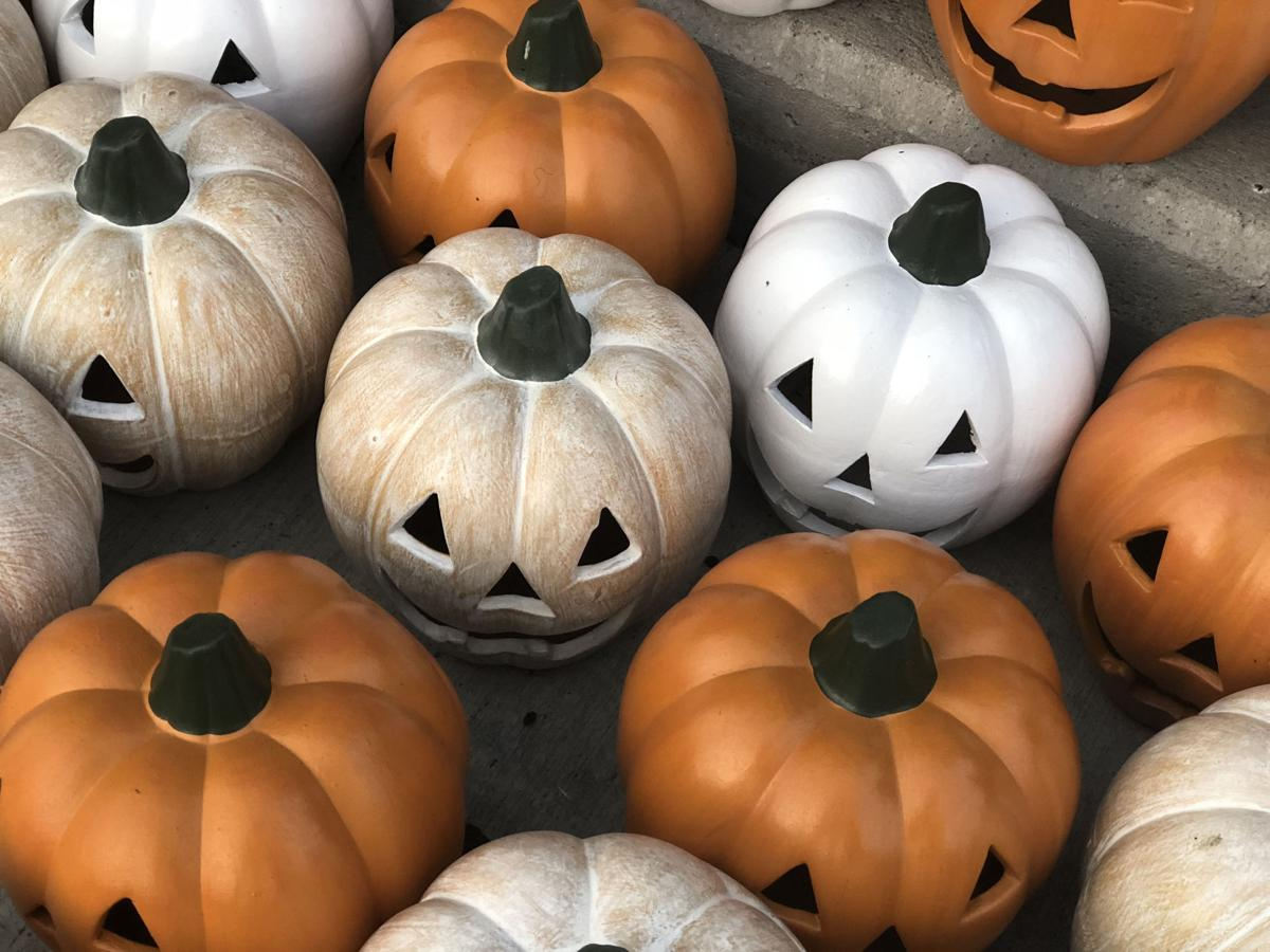 halloween decorations at kroger sept 13 2018
