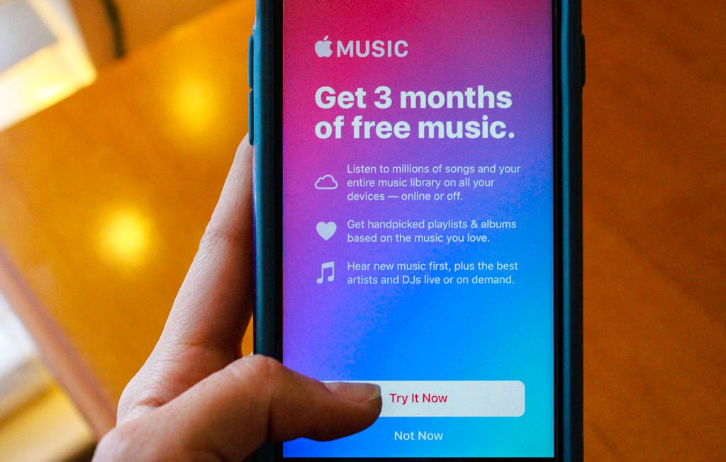 Apple Music offers better streaming service than Spotify